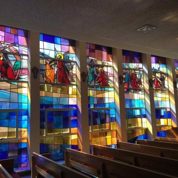 10 vetrate navata