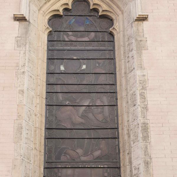 11 Vetrate navata esterno dopo